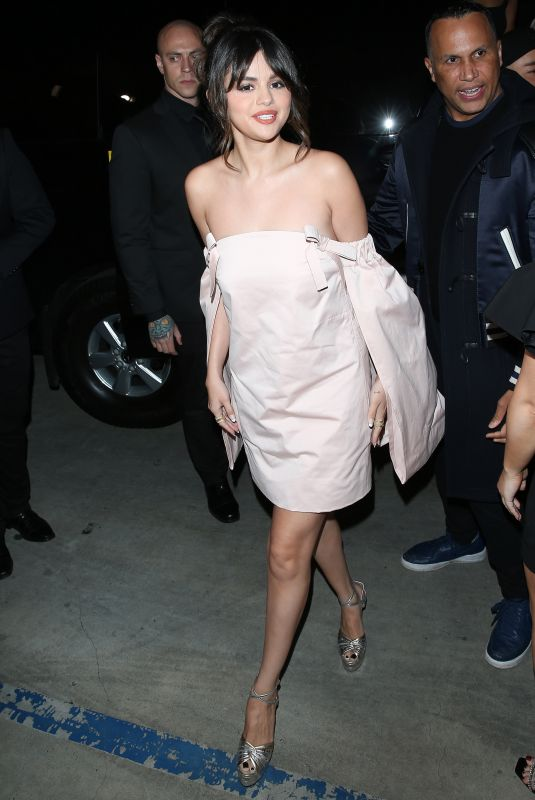 Selena Gomez Arriving at the 2020 Hollywood Beauty Awards in West Hollywood
