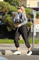 Sofia Richie Flashes her toned abs as she exits a hair salon in Beverly Hills