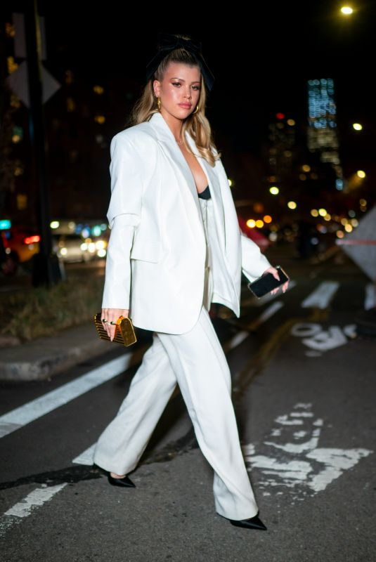 Sofia Richie Steps out With a male friend for dinner in New York City