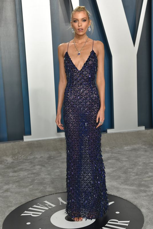 Stella Maxwell At 2020 Vanity Fair Oscar Party in Beverly Hills