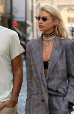 Stella Maxwell Spotted out for a stroll during Milan Fashion Week in Milan