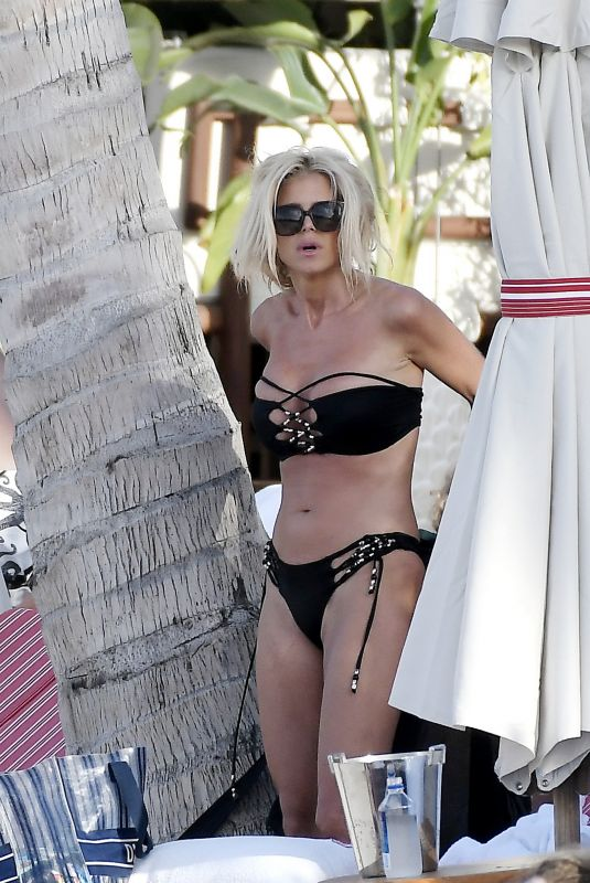 Victoria Silvstedt Enjoying the day on the beach in St Barths, France