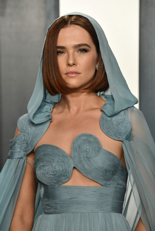 Zoey Deutch At 2020 Vanity Fair Oscar Party in Beverly Hills