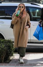 Ashlee Simpson Out for shopping with a friend at Cotton Citizen in West Hollywood