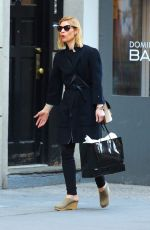 Claire Danes Goes out shopping around Manhattan