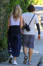 Gwyneth Paltrow Out for a walk in Brentwood