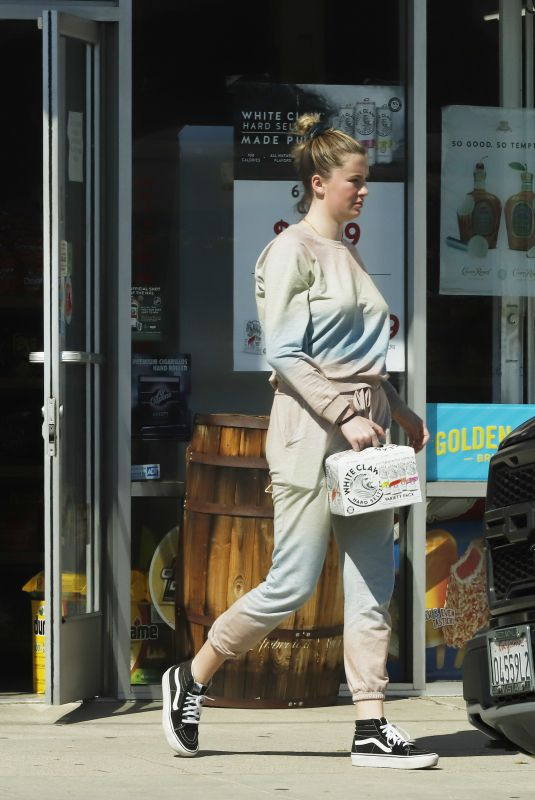Ireland Baldwin Shopping at a liquor store in Los Angeles