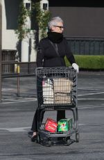 Jamie Lee Curtis Spotted grocery shopping in Pacific Palisades