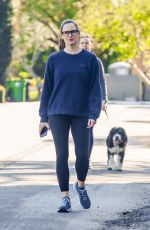 Jennifer Garner Goes for a walk with her kids in Pacific Palisades
