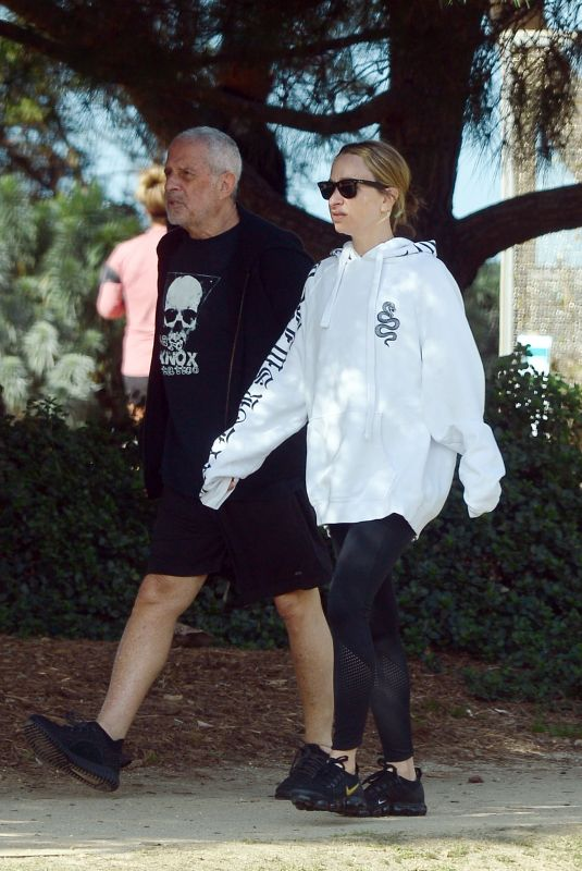 Jennifer Meyer Out for a walk with her father in Los Angeles