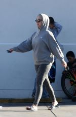 Katy Perry Makes A Gas Station Shop Wearing All Grey In California