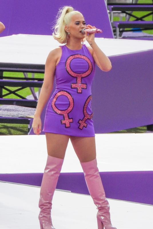 Katy Perry Performing At Women