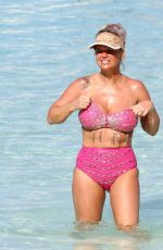 Kerry Katona Takes a stroll around the luxury 5 star resort Ayada Maldives