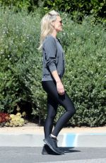 Molly Sims Out for a walk in Brentwood