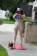 Phoebe Price Takes her Yoga to the Sidewalk
