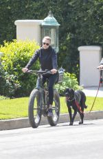 Robin Wright Rides Ebike in Los Angeles