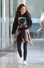 Sarah Hyland Heads to a tanning session in Los Angeles