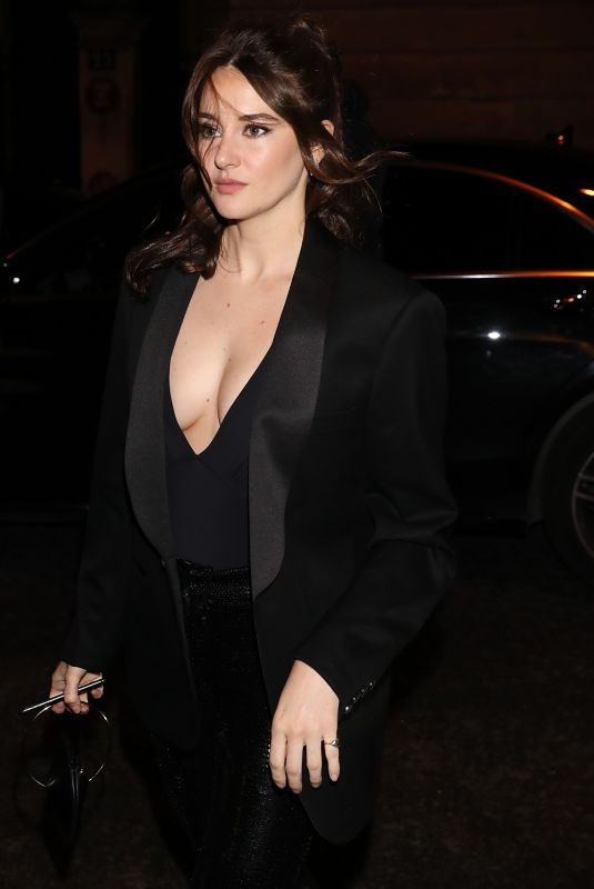 Shailene Woodley Arriving at Monot FW2020 show during Paris Fashion Week