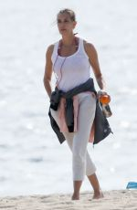 Teri Hatcher Seen on a romantic date with a mystery man on the beach in Malibu
