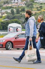Brie Larson Shopping at the Farmers Market in Malibu