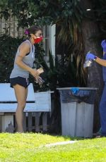 Elisabetta Canalis Picks up medication for her pets at Beverly Hills Small Animal Hospital