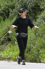 Elizabeth Banks Walking her dog in the Hollywood Hills