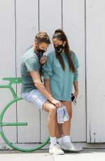Inanna Sarkis Shopping with her boyfriend Matthew Noszka at Whole Food in Los Angeles