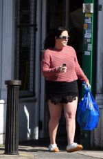 Jessie Wallace Out in the sunny hot weather picking up some essentials from her local shop in London