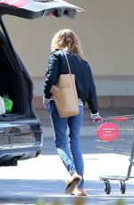 Julia Roberts Finds what she needs at CVS