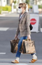 Kelly Rutherford Is spotted picking up groceries at Erewhon Market in Los Angeles
