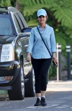 Maria Shriver Enjoys a walk around her neighborhood with her phone in Brentwood