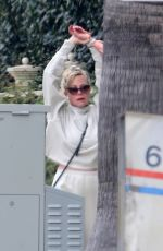 Melanie Griffith Taking a solo walk today to get her daily exercise in during the state lockdown