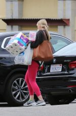 Molly Sims Out shopping in Los Angeles