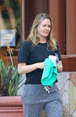 Alicia Silverstone Getting coffee in Los Angeles