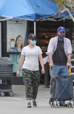 Alyson Hannigan Stepped out for a grocery shopping with her husband Alexis Denisof in Los Angeles