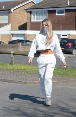 Bianca Gascoigne Seen heading to the co-op to pick up some shopping