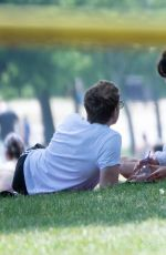 Daisy Edgar-Jones Seen passionately kisses her boyfriend Tom Varey during romantic picnic in the park in London