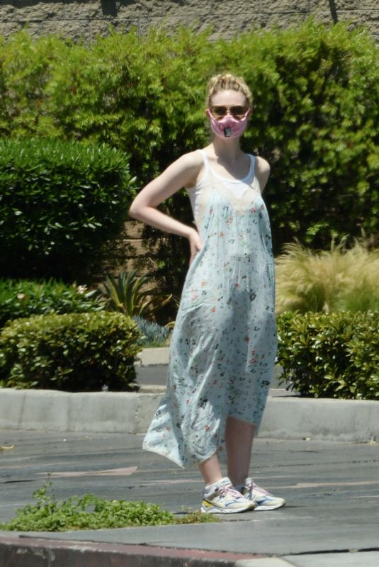 Elle Fanning Out with Max Minghella in Los Angeles