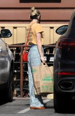 Emma Roberts Goes shopping in Los Angeles