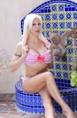 Frenchy Morgan Spends time in her bikini at her Malibu MansionFrenchy Morgan spends time in her bikini at her Malibu Mansion