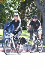 Goldie Hawn And Kurt Russell enjoy a long bike ride in Brentwood