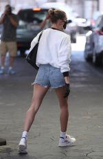 Hailey Bieber Heads to a medical building in Beverly Hills