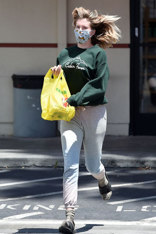 Ireland Baldwin Out shopping in Los Angeles