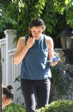 Jennifer Garner Has fun decorating a tree with daughter Seraphina in Brentwood