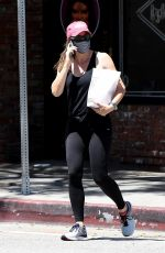 Jennifer Garner Outside In-N-Out Burger in Brentwood