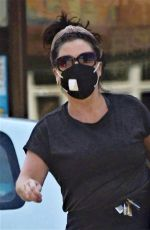 Jessie Wallace Spotted going to her local shop
