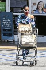 Kelly Rowland Out shopping in Los Angeles