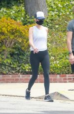 Kristen Wiig Goes for a walk after sparking pregnancy speculations in Los Angeles