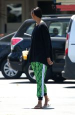 Lais Ribeiro Sips on a smoothie after stocking up on groceries in Malibu