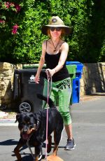 Lisa Rinna Walking her dogs out in Los Angeles